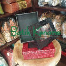 Kotak Hadiah Batik